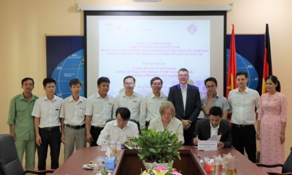 The Memorandum of Understanding (MoU) was signed between GIZ and VCMI, marking a new milestone in the cooperative relationship of the two parties