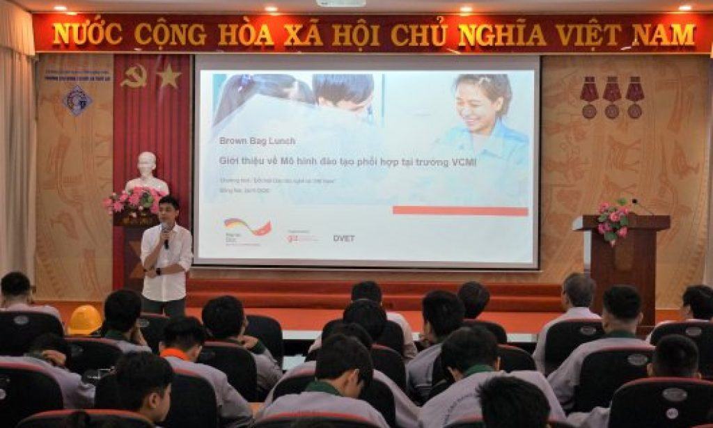 """Mr Nguyen Truong An – Programme Officer – Programme """"Reform of TVET in Vietnam"""", introduced about the Cooperative Training Programme"""