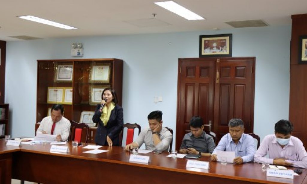Ms Le Thi Thu Uyen - the Vice Director of Martech Boiler, shared her opinions to revise the Constitution and the activity implementation process of Industry Advisory Boards