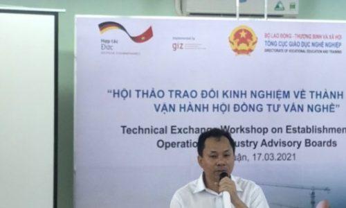 TS. Nguyễn Xuân Nhàn, Giám đốc Công ty sản xuất giống Thủy Sản Minh Phú, chia sẻ về lĩnh vực hoạt động và chính sách mới của công ty khi nhận sinh viên thực tập tại doanh nghiệp.