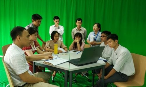 The participants were introduced about filming concepts and software for online teaching